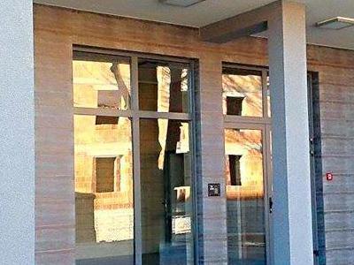budynek 1a1 wejscie do klatki1